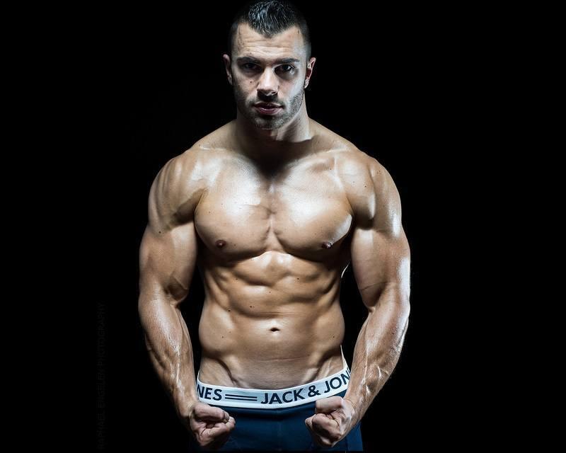 Gleichzeitig Muskeln aufbauen und Fett verbrennen