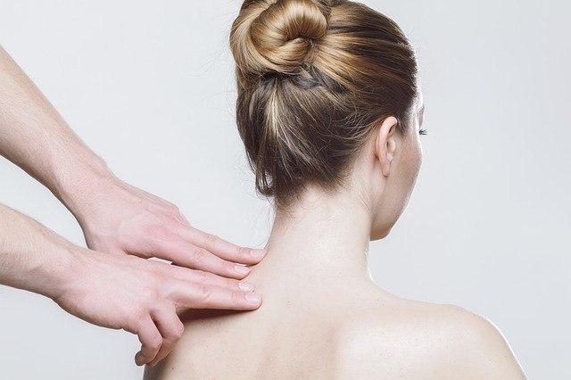 Massage bei Schmerzen in Arm und Schulter