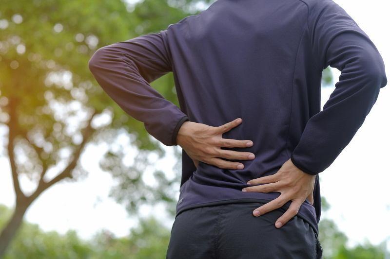 Rückenschmerzen beim Gehen